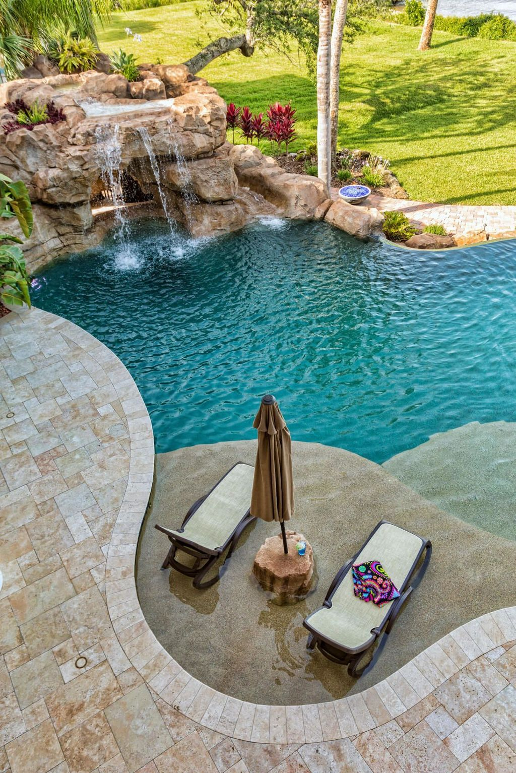 The Best Natural Small Pools Design Ideas You Will Love 22