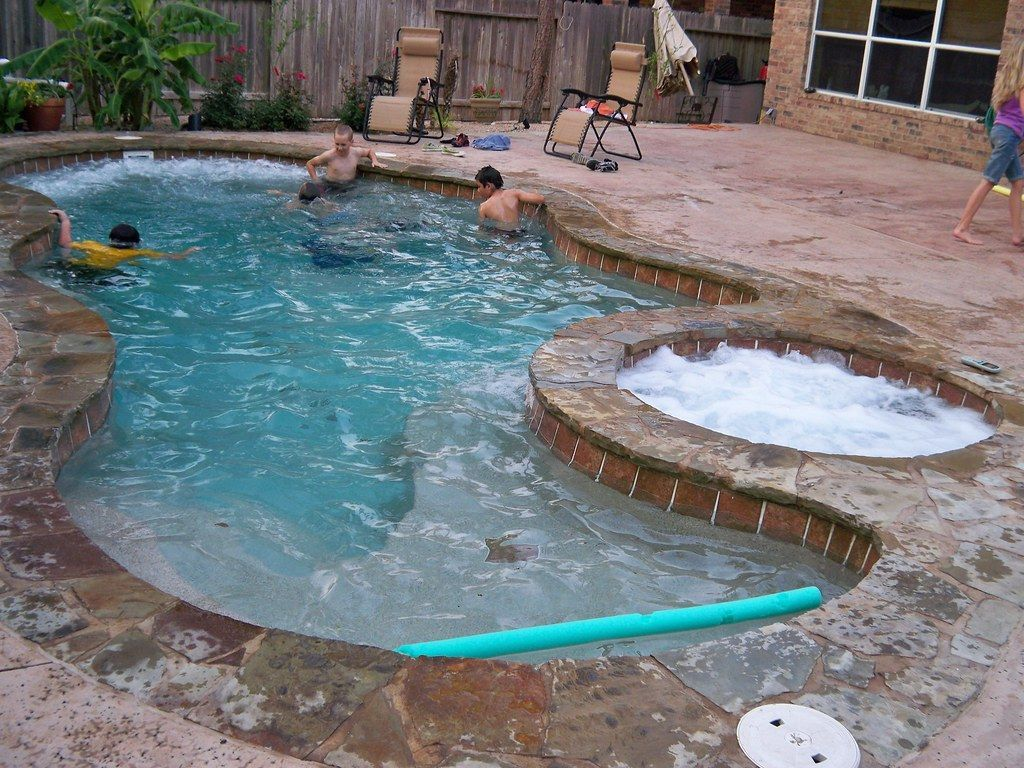 The Best Natural Small Pools Design Ideas You Will Love 30