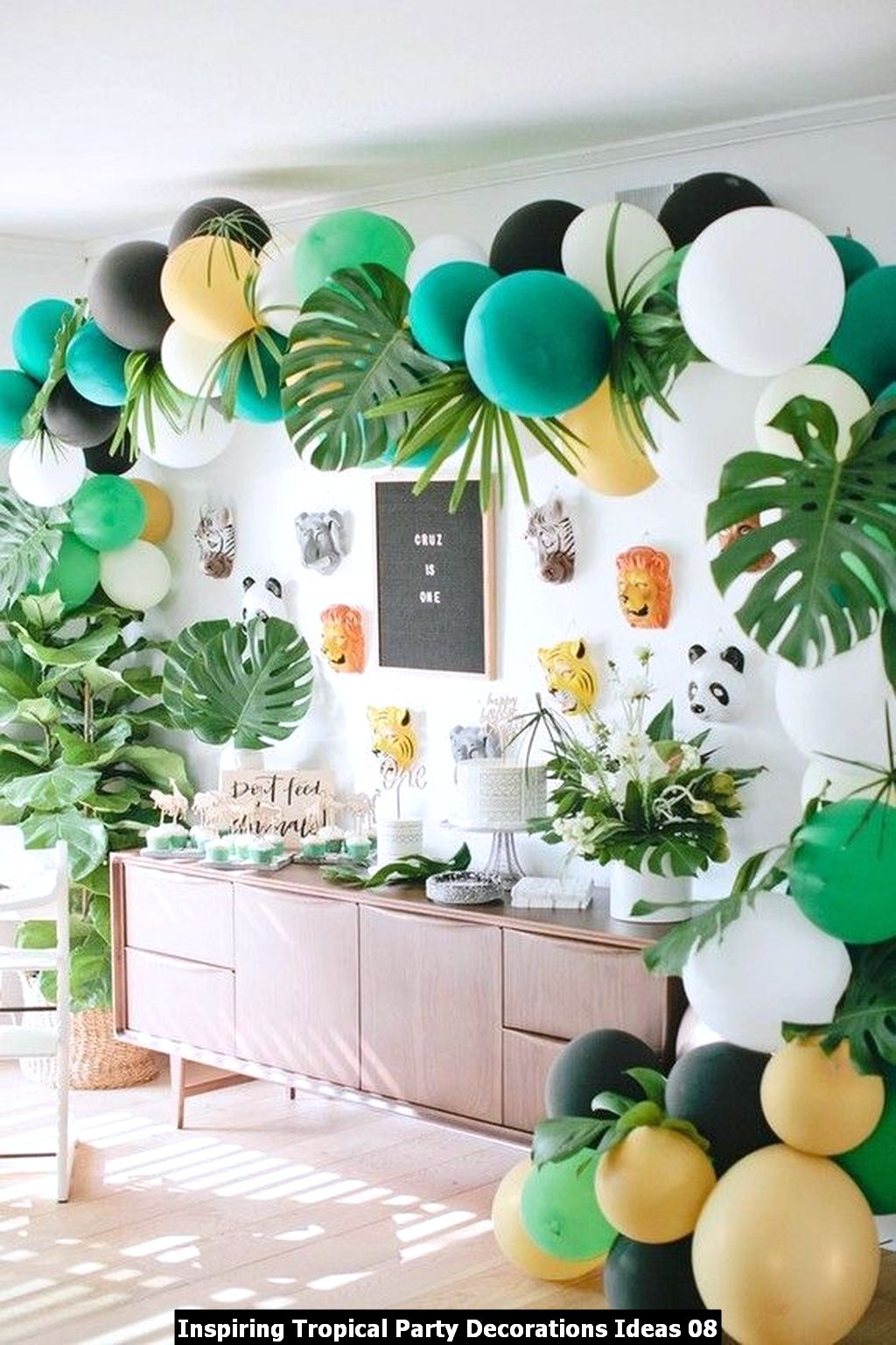 Inspiring Tropical Party Decorations Ideas 08