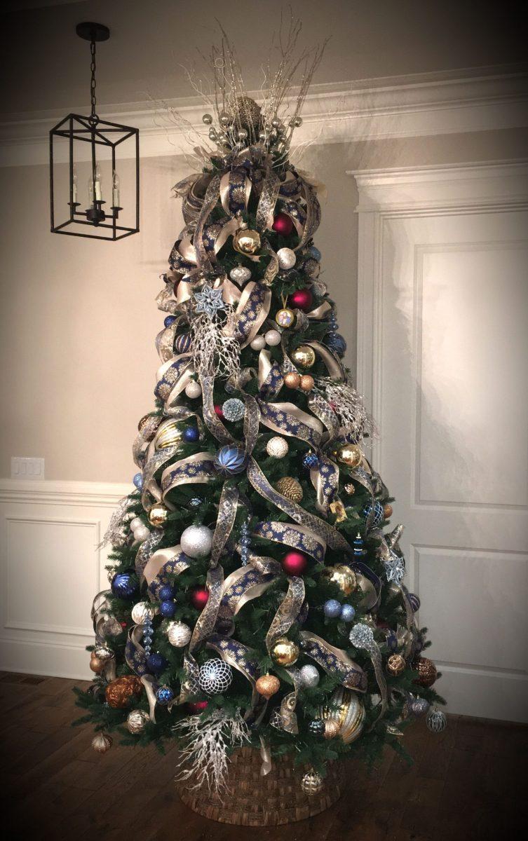Santa's Best Christmas Tree
