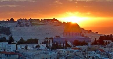 TIDAK AKAN BISA MEMBEBASKAN PALESTINA KECUALI DENGAN MANHAJ SALAF