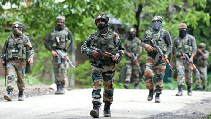 काश्मीरातील स्फोटात तीन जवान जखमी