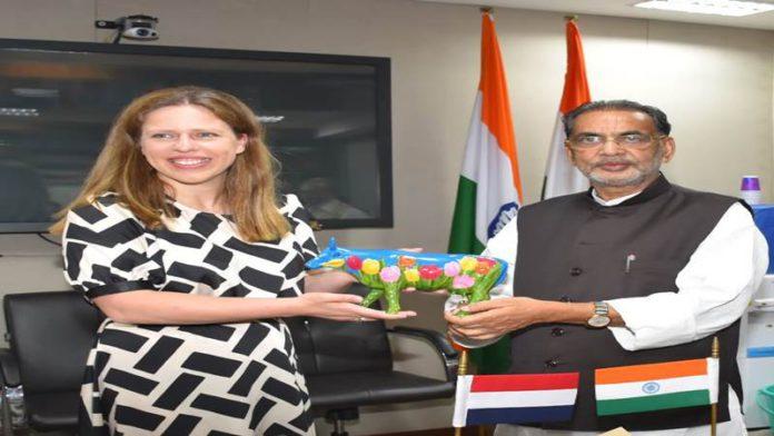 कृषीमंत्री राधामोहन सिंह यांनी घेतली नेदरलॅण्डच्या उपपंतप्रधानांची भेट