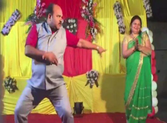 गोविंदा स्टाईल डान्सचा 'हा' भन्नाट व्हिडीओ होतोय व्हायरल