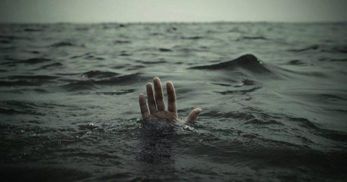 जुहू समुद्रात पाच जण बुडाले, एकाला वाचवले