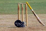 क्रिकेट सामन्यात उसळता चेंडू खेळताना तरुण खेळाडूचा मृत्यू