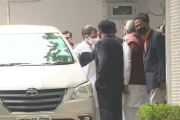 अहमद पटेल यांच्या निधनानंतर कॉंग्रेस नेते राहुल गांधी यांनी दिली त्यांच्या निवासस्थानी भेट