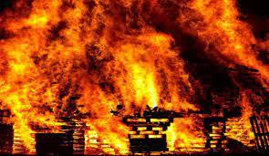 भिवंडीत फर्निचरच्या गोदामाला भीषण आग