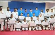 मार्शल आर्ट ब्लॅक बेल्ट परीक्षेत चमकले मिक्स मार्शल आर्ट संस्थेचे १७ विद्यार्थी