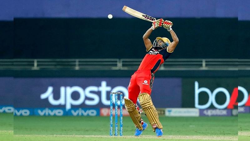 IPL 2021: शेवटच्या चेंडूवर षटकार; RCB चा दिल्लीवर थरारक विजय