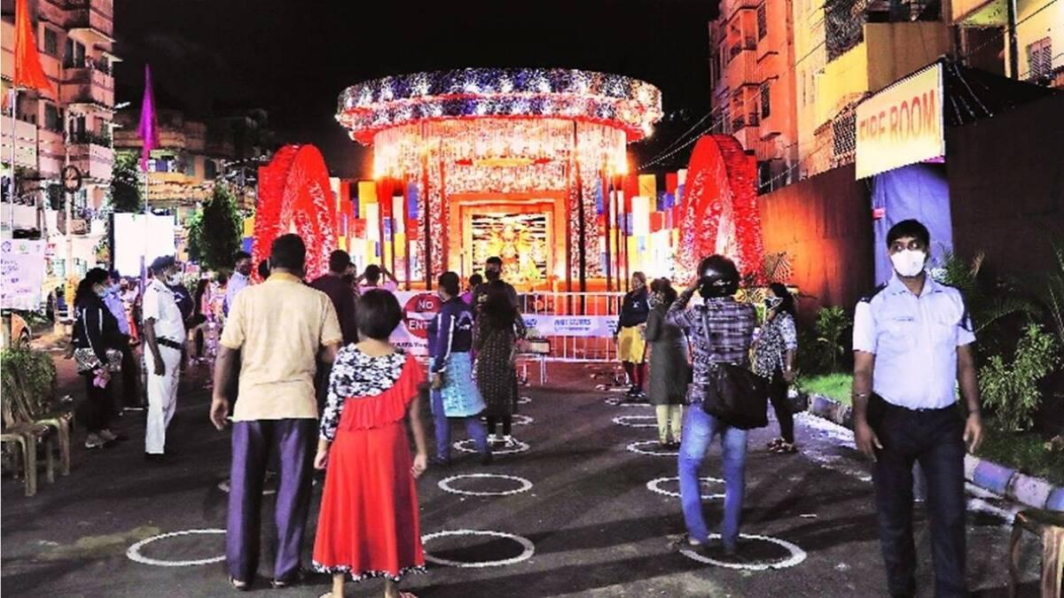 हिंदूंशिवाय इतरांना देवीच्या मंडपात येण्यास बंदी; विश्व हिंदू परिषदेनं जारी केले फर्मान