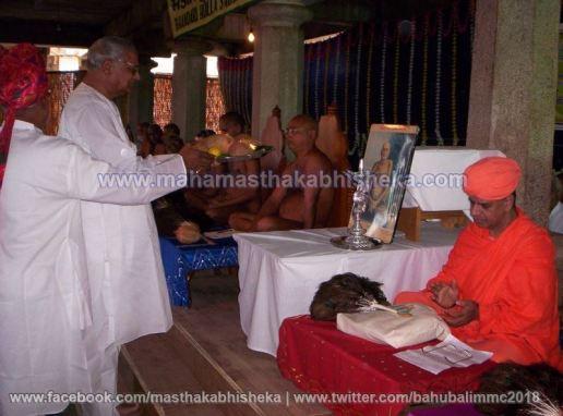 Mahamastakabhisheka-2006-Acharya-Sri-Vardhamansagarji-Maharaj-Mangala-Pravesh-0017
