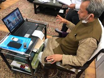उत्तराखंड : मुख्यमंत्री ने मांगी अडाणी, बिड़ला और अन्य उद्योगपतियों से मदद