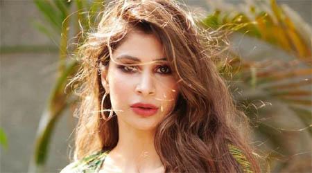 अच्छे-अच्छे माॅडलों को फेल कर देती है क्रिकेटर नवजोत सिंह सिद्धू की बेटी राबिया की खूबसूरती