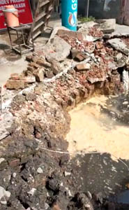 काशीपुर : जी का जंजाल बना ओवर ब्रिज निर्माण, न तो ट्रेफिक रोकते हैं न बनाते हैं नाला, ऊपर से कर दिया व्यापारियों का नुकसान