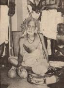 Periyava_with_mattai_coconut
