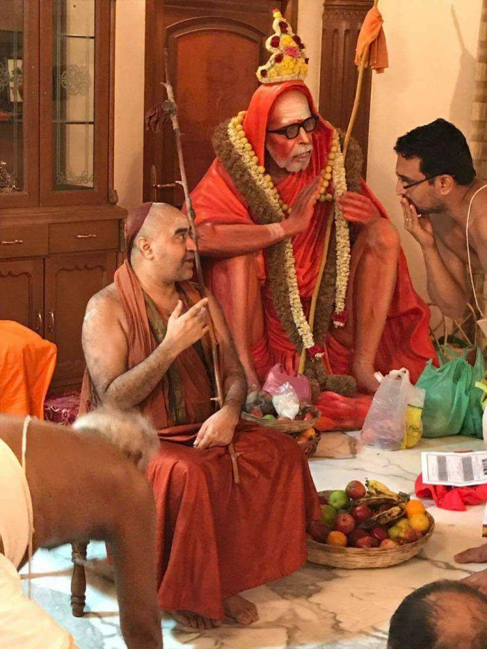 Balaperiyava-Mahaperiyava-vigraham.jpg