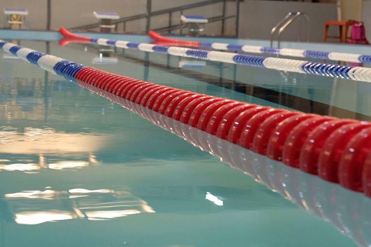 مسبح للكبار