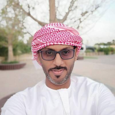 عمر العويداني | خبير رقمي معتمد من جوجل وخبرة في التسويق الرقمي لأكثر من 10 سنوات.