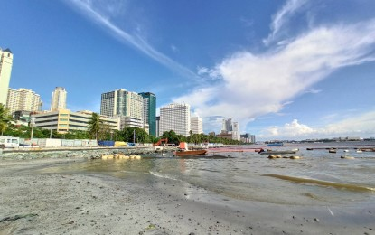 Mayor Isko backs DENR's Manila Bay beach nourishment project
