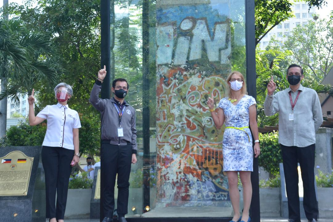 Fragment of historic Berlin Wall unveiled in Manila