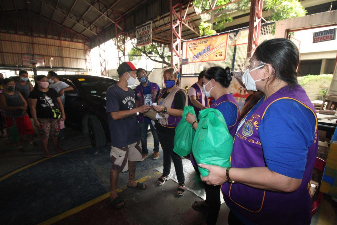 Pasay City Host Lions Club undertakes relief ops for typhoon victims