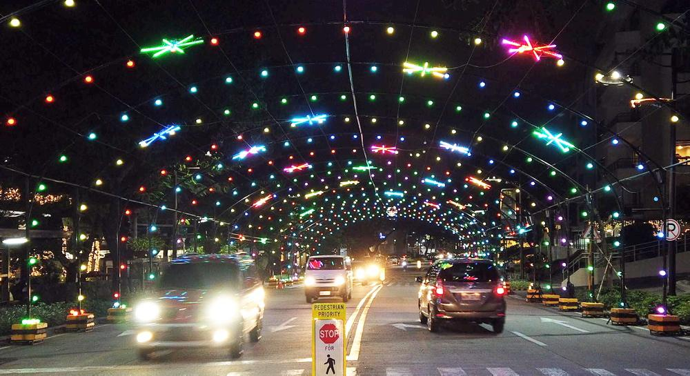Musical light tunnel serves as attraction for Pasig City motorists