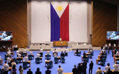 House pushes for alternative to handshake