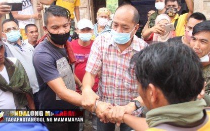 Army helps settle clan war in Maguindanao