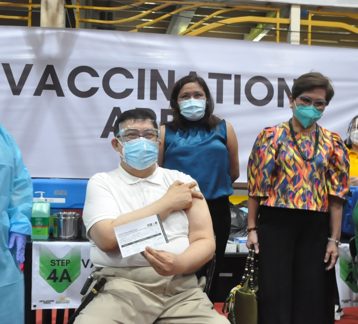 Las Pinas vaccination roll-out
