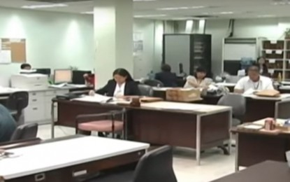 Palace orders up to 50% workforce in gov't offices in GCQ areas