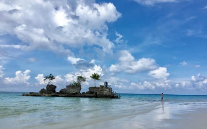 Boracay approves saliva testing for tourists