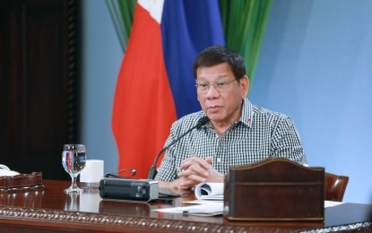 PRRD insists to wait for doc's advice before getting vax