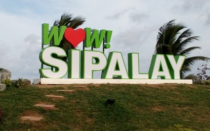 Sipalay City to bar tourists without pre-booked accommodations