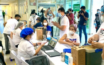 Manila completes 1st dose vax rollout for front-liners