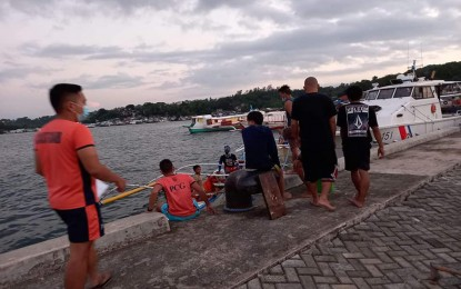 6 boat passengers rescued off Surigao coast