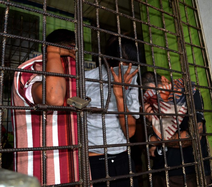 QCPD seize P240k of shabu from 5 druggies, including 2 from Caloocan