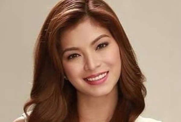 Angel Locsin gives cash aid to a weeping man in hospital