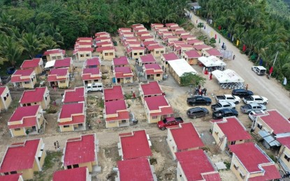 DSWD-11 turns over housing units in DavOr town