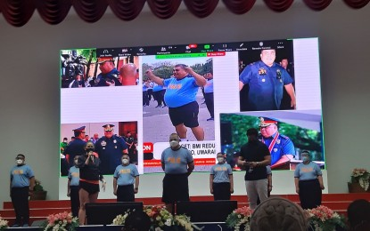 Sinas, 72 pounds lighter, to step down on May 8