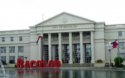 Bacolod enforces early curfew, bans public drinking of liquor