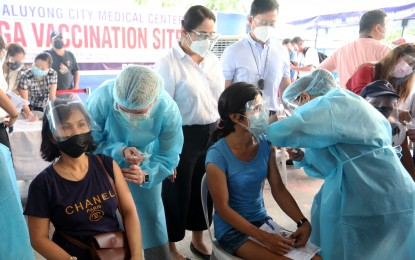 NTF lauds LGUs for continuously enticing residents to get jabs