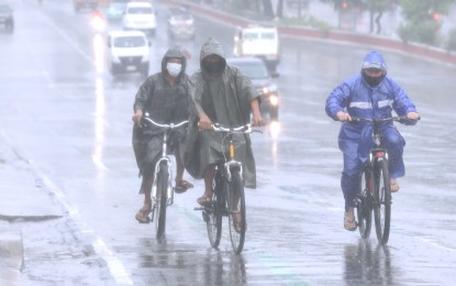 Rainy Wednesday over parts of Luzon due to 'habagat'