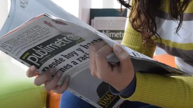 gambar iklan media cetak
