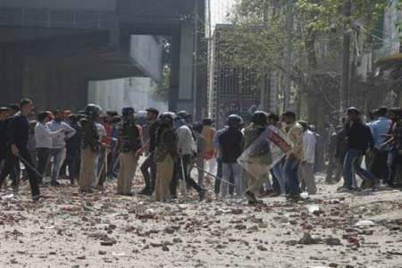 दिल्ली में दो दिन से हिंसा,
