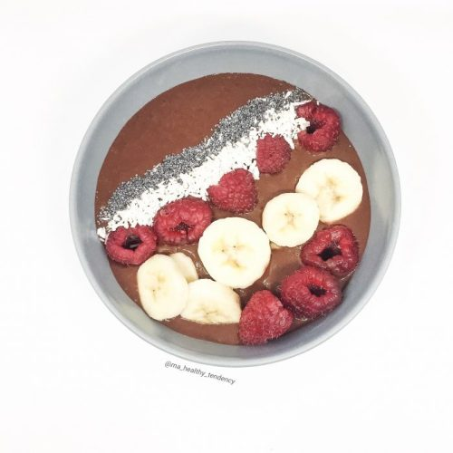 Smoothie Bowl Chocolat Framboises Bananes Coco Graines de pavot Ma Healthy Tendency