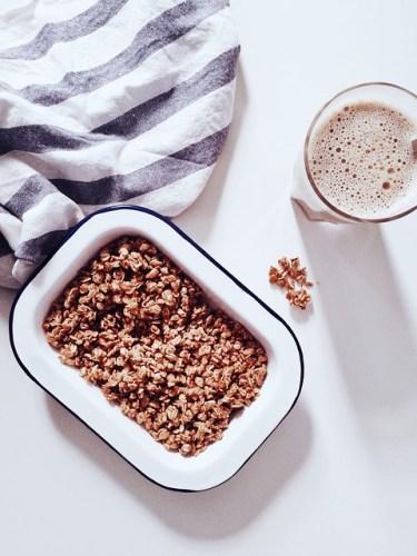 Smoothie Bowl Lait d'avoine, Banane, Framboise & Granola - Ma Healthy Tendency - ©Unsplash / Pixabay