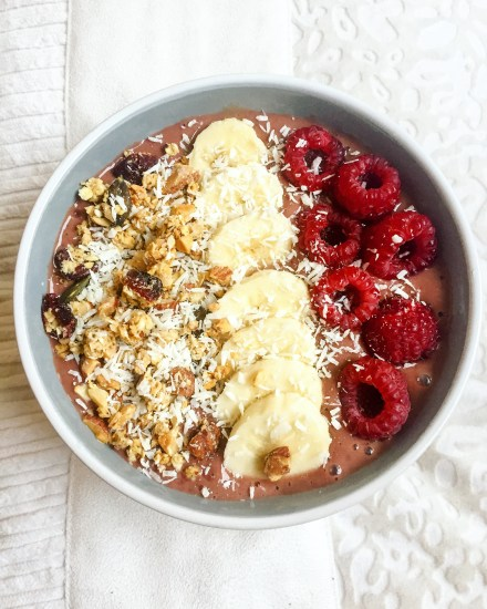 Smoothie Bowl Framboises Banane Lait amande Lait noisette Ma Healthy Tendency