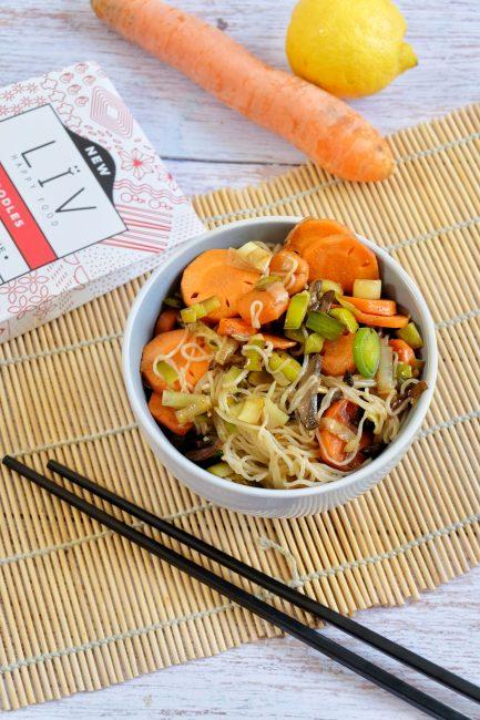 Wok Noodles Konjac aux légumes croquants - Recette Mahealthytendency.com