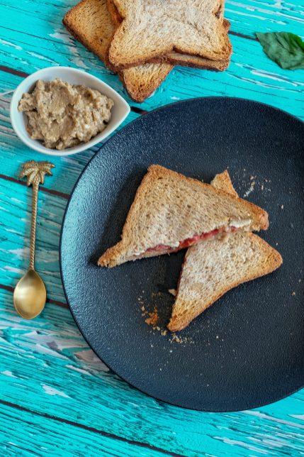 caviar aubergine sandwich grillé